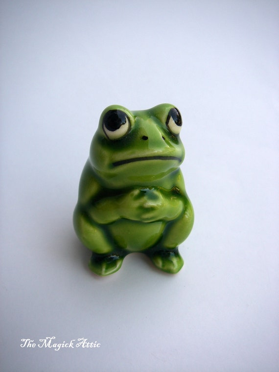 It's Easy Being Green - VINTAGE - Small - Frog Figurine