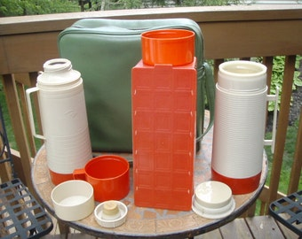Vintage Avocado Green 1970s Groovy Thermos Picnic Tote