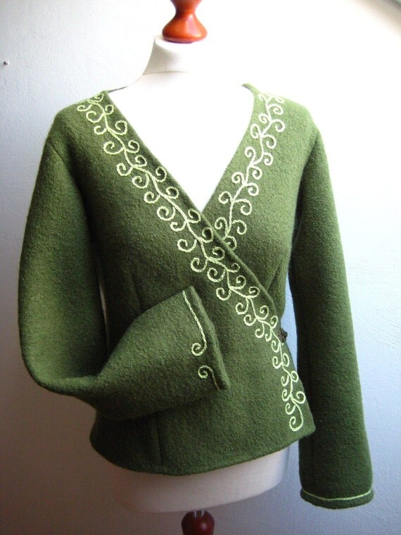 Wool wrap jacket with embroideries