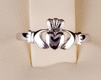 Claddagh in 10ct White Gold small head