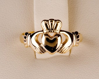 Claddagh Ring Medium Size in 9ct gold with Diamond and sapphire special