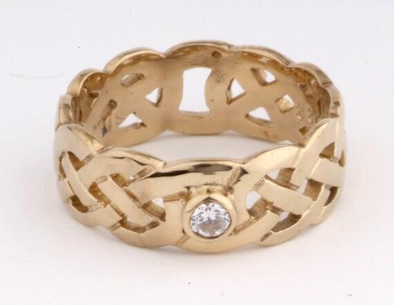 Celtic Ring 9ct gold birthstone