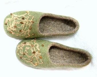 handfelt wool slippers with natural amber
