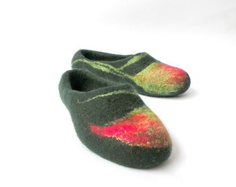 Felted slippers Red flowers