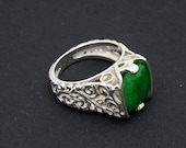 beautiful emerald ring (free shipping)