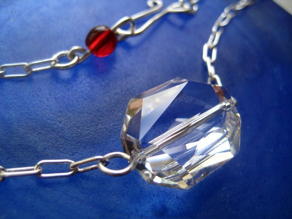 Gorgeous Clear Large Graphic Swarovski Crystal on Sterling Silver Chain. Modern, contemporary, simple, elegant