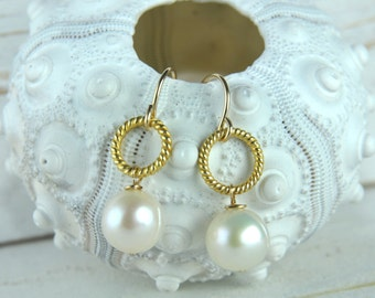 Wedding Party Gifts, Bridesmaid Gifts and Favors, Pearl Earrings, Bridesmaid Pearl Earrings, Gold and Pearl Earrings, Dainty Bridesmaid Gift