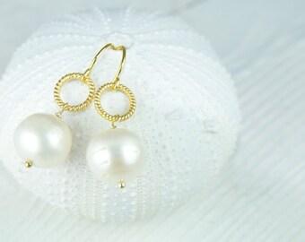 Bridesmaid Gift Sets, Bridal Earrings, Jewelry, Earrings, White Pearl Earrings, Simple stunning pearl earring