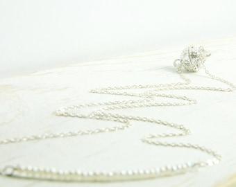 Bridesmaid Pearl Necklace, Dainty Pearl Necklace, White Pearl Dainty Necklace, Dainty Bridesmaid Jewelry, Dainty Bridesmaid Gifts