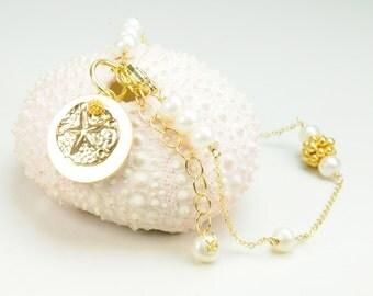 Dainty Sand Dollar and Pearl Charm Bracelet, Bridesmaid Gift Ideas, Dainty Sand Dollar Bracelet
