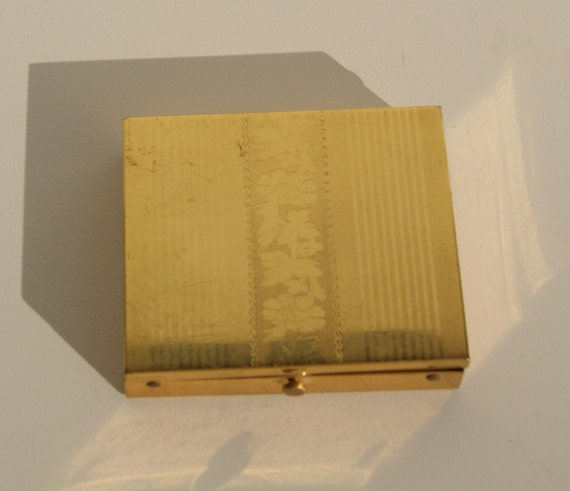 Vintage Gold Toned Floral Stripe Metal Make up Compact Pill Box Flowers & Stripes