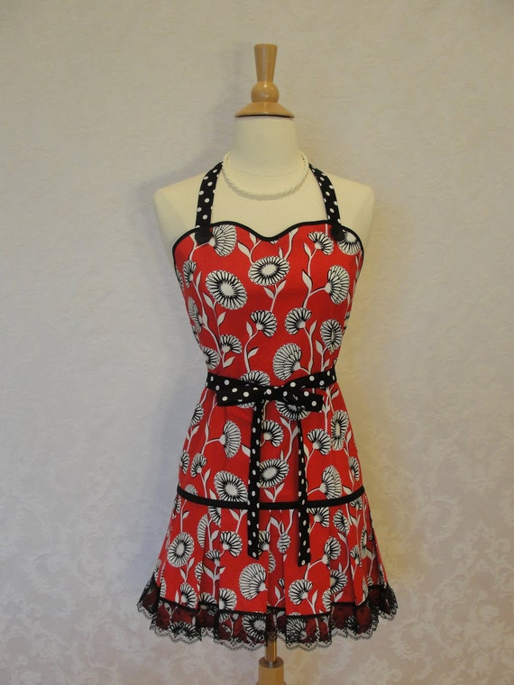 Reserved for Yu Sonoda Only - Sale....Sweetheart Pleated Flounce Apron with Black Lace Trim - Ready to Ship