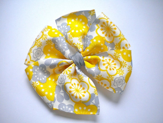 Pinwheel Hair Bow -- Grey & Mustard Floral Print