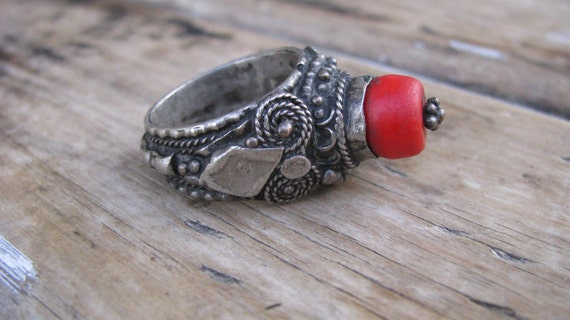 Rare, one of kind vintage ring with lovely detail work made out of Ethiopian Maria theresa silver& Red African trade bead Size:7.5-8 U.S