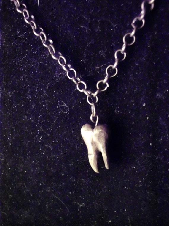 Pyropus Dentis Necklace
