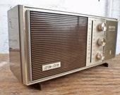 Awesome AM/FM Radio - Perfectly working Zenith Table Radio - Clean and Clear Black Friday Sale - 30 percent off