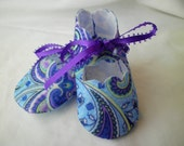 Blue and purple paisley baby booties newborn to 3 months