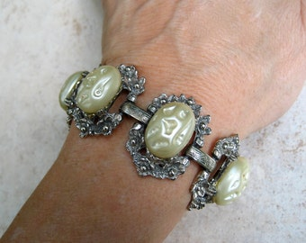 Vintage Chunky Bracelet Lucite Cabochon Cream Oval Silver Tone Floral Panels