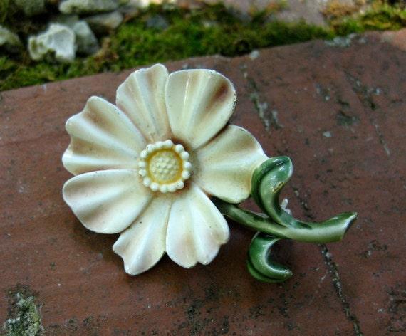 Vintage Har Brooch Enamel Flower Mauve Pink