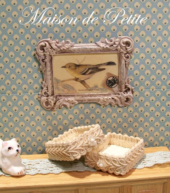Scale Dollhouse Miniature 1:12 Shabby and Chic Bird Picture