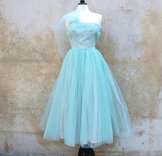 1950's light aqua strapless prom/ wedding dress/ tulled/ lace/ medium