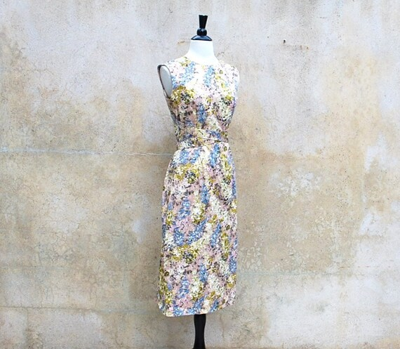 Reserved for Kelly 1940s summer floral dress/ 40s wiggle polished cotton dress / medium