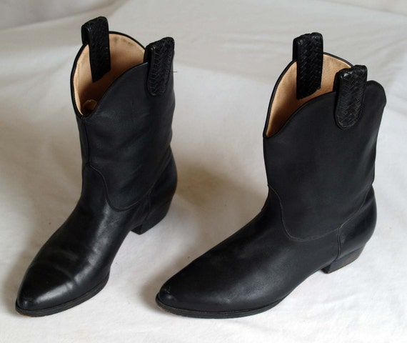 vintage ankle cowboy boots with roper heels in a black leather