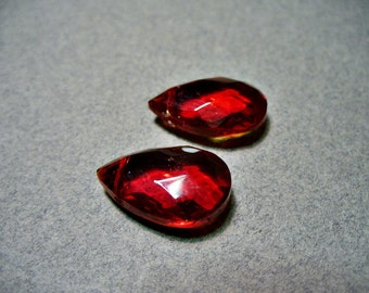 Glass Briolettes Beads Red Faceted Flat 19x13MM