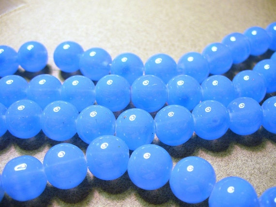 20 - 10MM Blue Jade Glass Round Beads