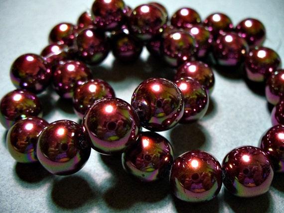 Glass Pearls Iridescent Raspberry 12mm