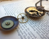 Steampunk Necklace - Gears and Cogs - Chain - Jewelry - Bee - Romantic - Steampunk