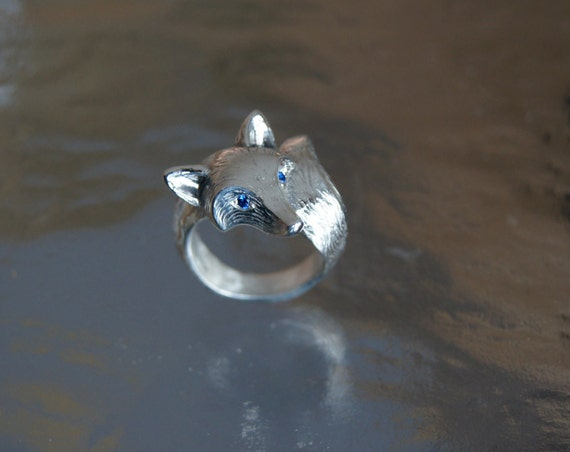 for SYLVAN Salvage only  FURRED fox ring, Silver with blue sapphire eyes