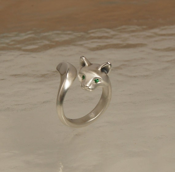 forrest cat ring,  silver . colored stone eyes  satin/ high polish finish