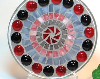 Stained glass mosaic pillar candle holder plate black and red