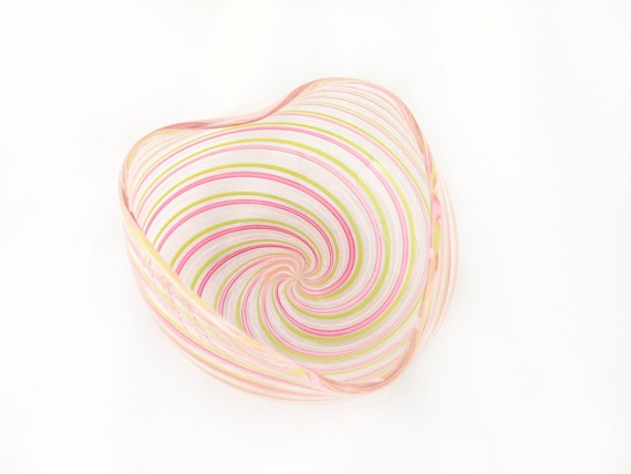 Glass Heart Bowl - Venetian Style Hand Blown - Mothers Day - Easter Gift - Pastel pink white sage green-dreamt oht