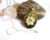 Felt Pendant Necklace with Chamomile