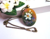 Felt Pendant Necklace with White flower