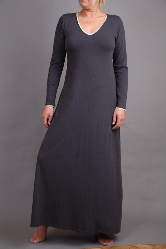 Asphalt gray night dress with beige thin lace arround the neckline and sleeves
