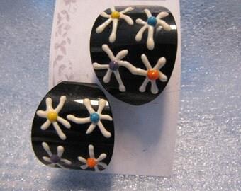 Funky Stylized Vintage Flower Pierced Earrings