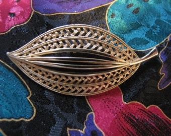 Vintage J J Leaf Pin Brooch Goldtone