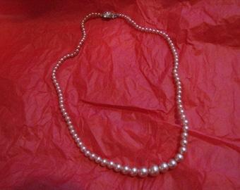 Pretty Pink Single Strand Vintage Pearls Rhinestones Clasp Necklace