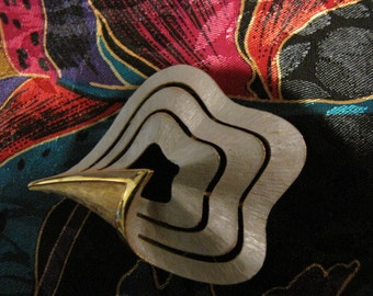 Abstract Vintage Pin Brushed Goldtone