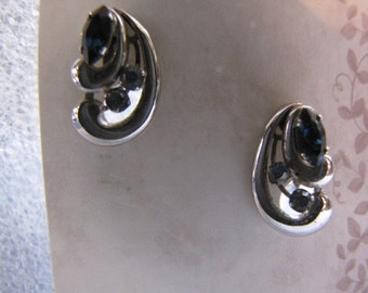 Blue Rhinestone Vintage Earrings Silvertone Screwbacks