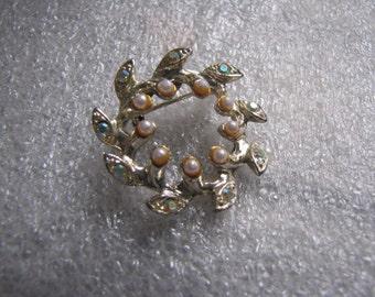 Vintage Circle Pin Aurora Borealis Rhinestones Brooch Faux Pearls Small Wreath