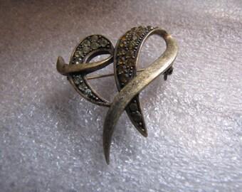 Vintage Pin Brooch Green Rhinestones Goldtone