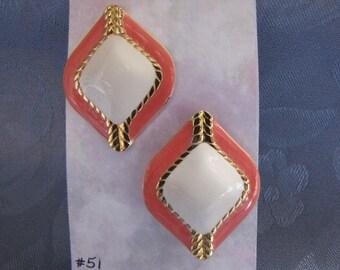 Retros Vintage 80s Pierced Earrings Enamel Salmon Beige