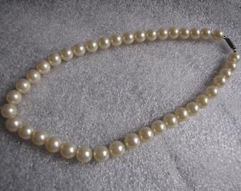 Vintage Necklace Faux Pearls Necklace Box Clasp