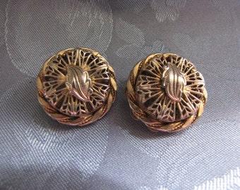 Vintage Earrings Goldtone Filligree Leaf Clip