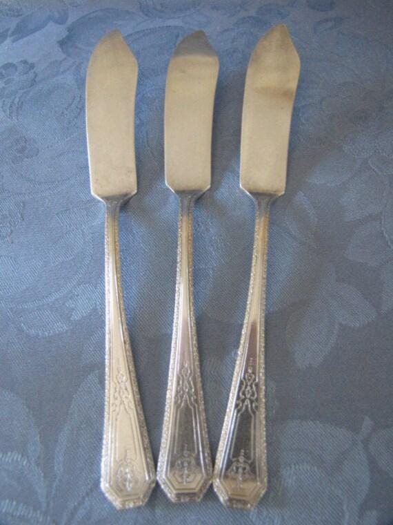 Antique Circa 1920 Silver Anniversary Three Butter Knives Wm Rogers