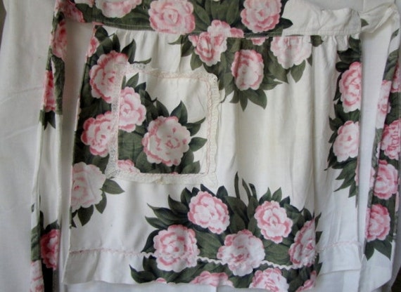 Vintage Half Apron Roses Lace One Pocket Pink Ric Rac